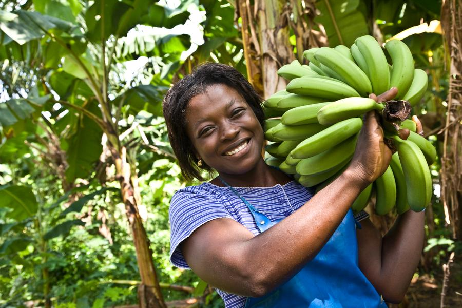 Mable Matetsu von der Fairtrade-Bananen-Organisation Volta River Estates in Ghana